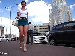 Jeny Smith - koukání pod sukně (prt2)