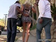 Zoey的波特兰希望获得Gangbanged由的黑人男子