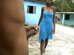 Busty Ebony Těžké Kouření na dvorku