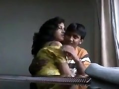Desi boyfriend toying with saucy boobs of his girlfriend