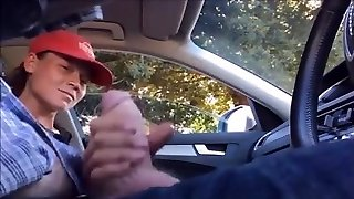Dickflash Nubile hitch hiker jerks off driver