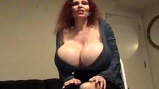 Teddi-Big-boobed Mama