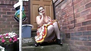 Hidden Cam 1 - Chubby babe sitting outdoor (MrNo)
