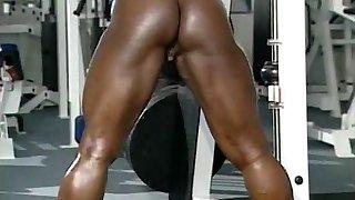 Dayana Cadeau 01 - Damsel Bodybuilder