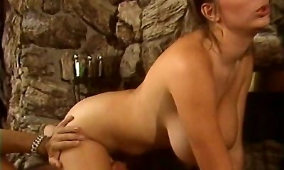 Retro Mindy Rae rails youngsters face with her constricted cooter then bonks