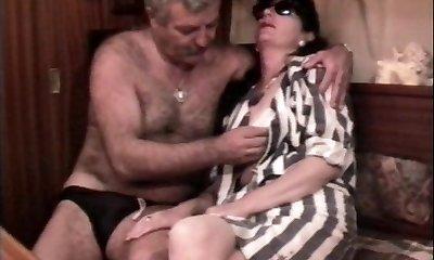 בציר צרפתית סקס וידאו עם בוגרת שעירה כמה