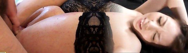 Brit marionette slut Nikki Gold in stockings pounded