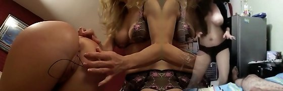 Chubby mature light-haired get her pussy fingered by sexy slut