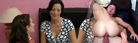 MILF seduces her friend for amazing lesbian bang-out