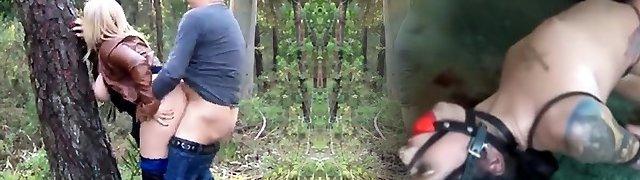 Yam-sized Ass Daniella gets creampie outdoors