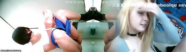 japanese girls go to public toilet