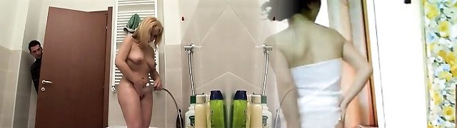 Guy snooping his aunt in shower pt 1 - More On HDMilfCam com