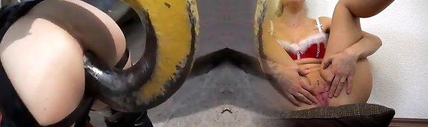Latex dildo-grua