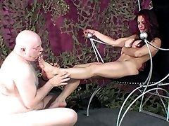 Slave to Gias soles
