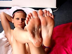 sexy teen on footjob casting