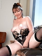 MILF Brook has perfect titties, an unstoppable ass and a sex drive that goes on for miles! Watch...