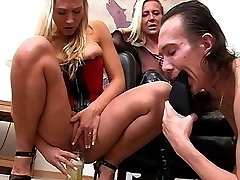 Lady Lucy and toilet slave Ariel