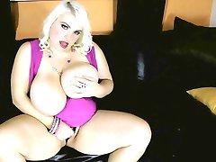 Sexy Blonde Busty BBW Scarlett Rouge