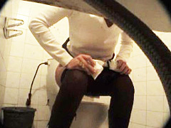 Feeds from spy cam hidden in ladies room in univercity