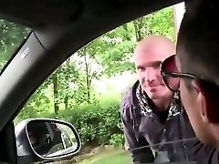 Muscly gay amateur sucks cock