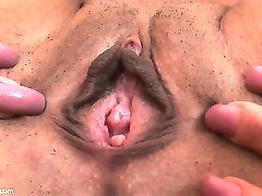 Tatiana flexes her little asshole in extreme close up! She