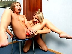 Two blonde babes fuck each other