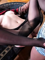 Sleazy mature gal rubs her crotch with pantyhose before getting nailed down