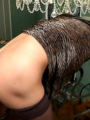 Experienced mom looking for a rocky dick aching to get her asshole plowed