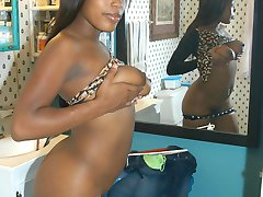 Sexy Carmel Sister With Tight Body Nude Pics Leaked