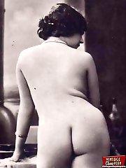 Vintage girls posing naked