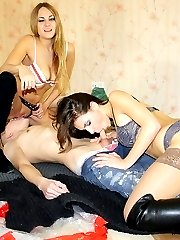 Sexy girls naked plunging into threesome