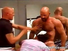 Hairy muscle rimming friends in public toilet
