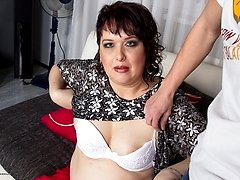 Chubby mature lady getting naughty in POV style
