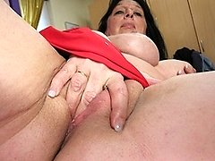 See this big titted mature slut squirt like a waterhose