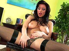 Sexy Ashley makes herself cum hard - CzechSuperStars