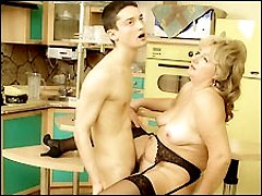young guy fuck mature slut on kitchen table
