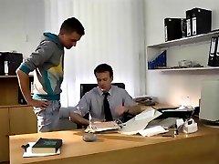Hot bareback fuck at the office