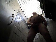 public toilette yo