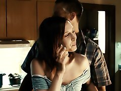 VERA FARMIGO HOT SCENE IN RUNNING SCARED