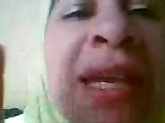 Mature arab bitch teasing adventure bea