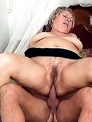 Slutty mature plumper enjoying a huge dick up her twat