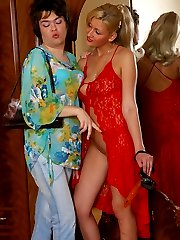 Smashing looking babe welcomes a sissy with her ready for action strap-on