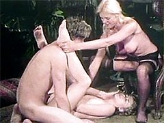 Retro ladies pleasing cock