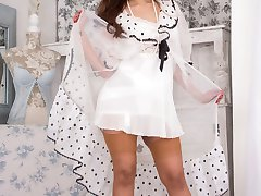 Mahina is new to vintage and retro so love the thrill of a vintage open bottom girdle and real...