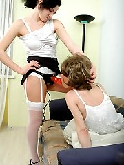 Sissy guy getting good ass-pounding by slutty chick with rubber strap-on