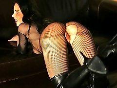 Bdsm slaves pussy in hellfire