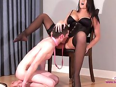 Virgin Slave Danni Eats His First Pussy