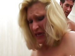 Blond chick tries her first anal