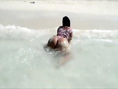 Diamond Doll Shaking on the Beach