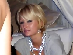 Beautiful Paris Hilton exposing her upskirt to everyone